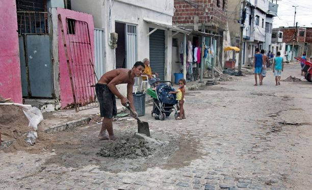 YK arvioi kymmenien miljoonien ihmisten ajautuvan köyhyyteen Latinalaisessa Amerikassa. Kuvituskuva.