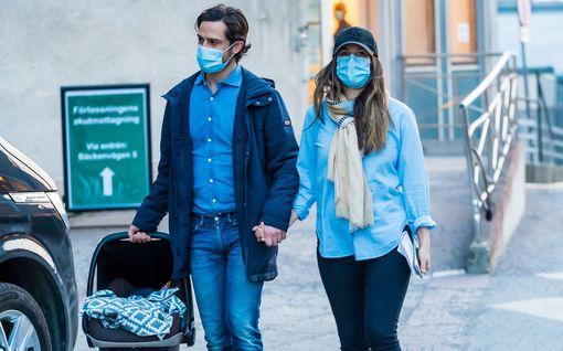 Kansa äimistelee: Miksi Carl Philipin ja Sofian vauvalle ammuttiin tykinlaukauksia?