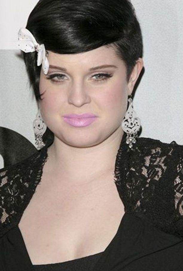 Kelly Osbourne oppi ehkäisyn tärkeyden nuoruutensa sekoiluista.
