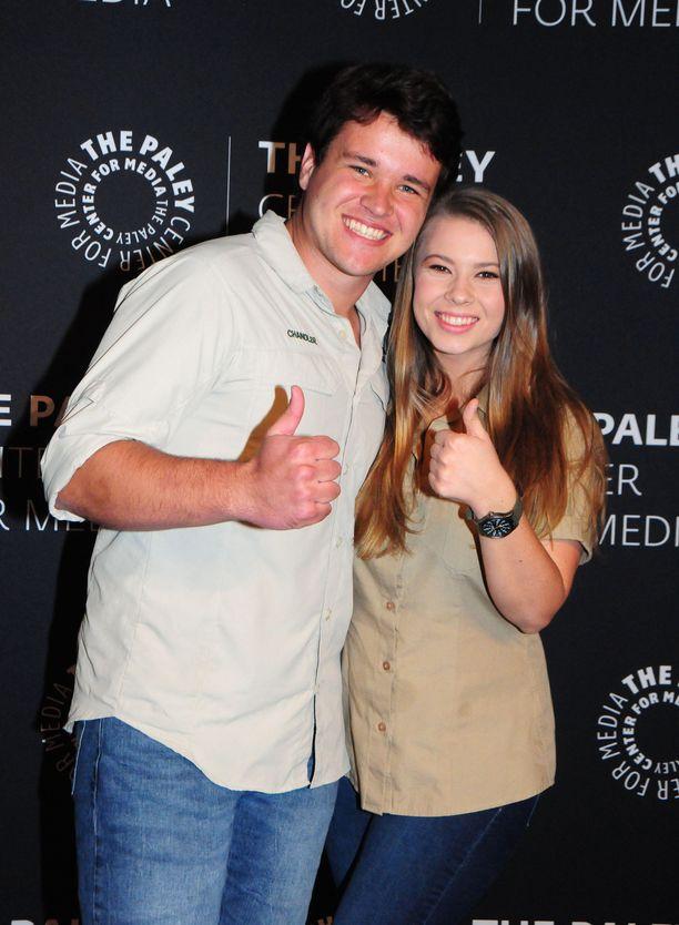 Chandler Powell ja Bindi Irwin menivät naimisiin eläintarhassa.
