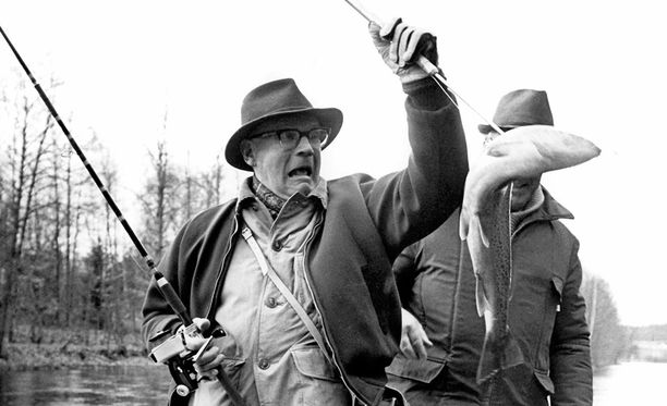Presidentti Kekkonen kalasti mielellään vieheillä.