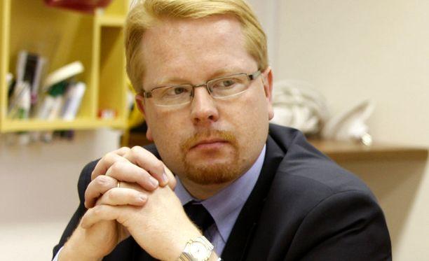 HUIPPUVIRKA Suojelupoliisin päällikkö Ilkka Salmi saattaa siirtyä Brysseliin.