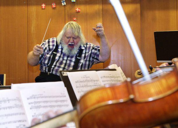 Leif Segerstam on yksi maailman tuotteliaimpia säveltäjiä.