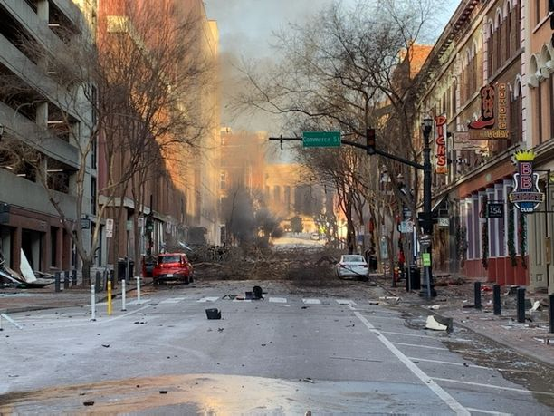 Nashvillessä on tapahtunut iso räjähdys. Kadut on suljettu tutkinnan vuoksi.