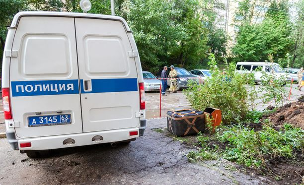 Moskovassa virkatehtävässä olleet poliisit hakkasivat autopesulan työntekijöitä. Kuvituskuva.