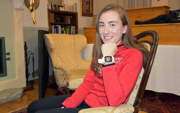 Ahvenanmaalainen Jenny Fellman muutti Ruotsin ampumahiihdon tyyssijaan Östersundiin. Hän kirjoitti Ruotsissa ylioppilaaksi ja opiskelee nyt kauppatieteitä Östersundin yliopistossa.