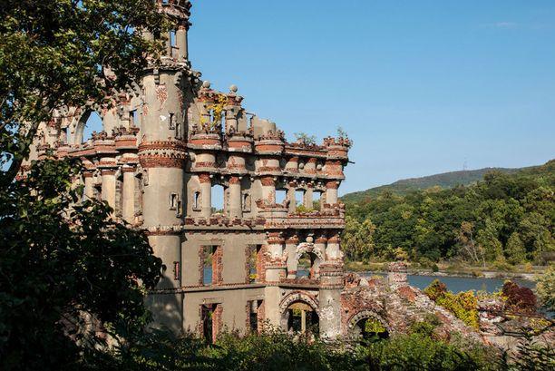 Bannermanin linna sijaitsee Pollepelin saarella. Värikkään historian vuoksi saarta on pidetty jopa riivattuna.