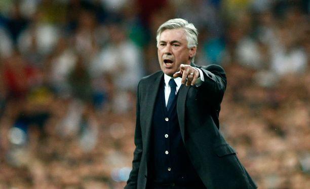 Carlo Ancelotti väitti, ettei Karim Benzemaa ehkä nähtäisi kokoonpanossa.