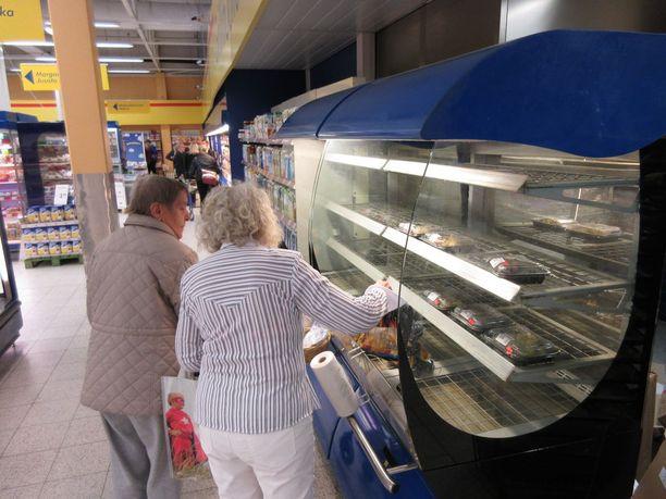 Paistetut kanat ja valmislounaat hävisivät lämpökaapista puolessa tunnissa Turun Majakkarannan S-marketissa keskiviikkona.