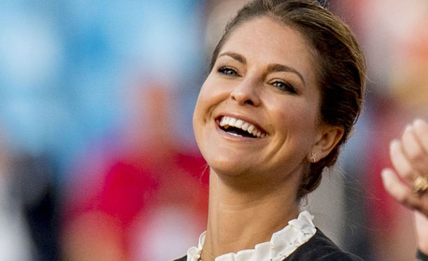 Prinsessa Madeleine asuu virallisesti Lontoossa. Nuorimmaisensa prinsessa haluaa synnyttää Tukholmassa.