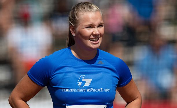 Salla Sipponen heitti ennätyksensä.