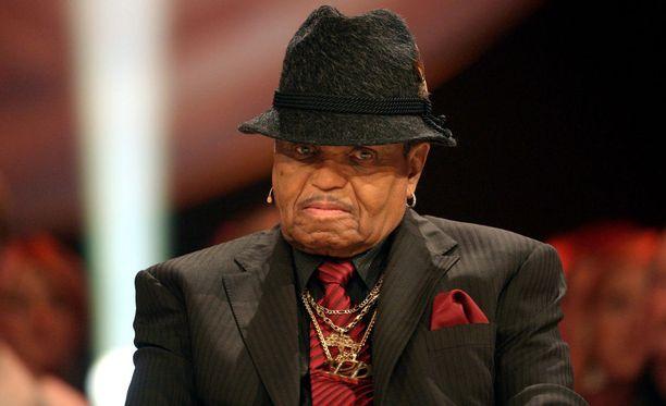 Joe Jacksonin hautajaiset järjestettiin maanantaina, kertoo Hollywood Reporter.