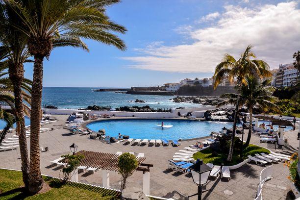 Tarja on ollut viikon lomalla Teneriffan Puerto de la Cruzissa eikä hän välttämättä pääse kotiin sovittuna lähtöpäivänä.