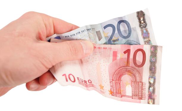 Rakennusalan diplomi-insinöörien kuukausiansioiden mediaanipalkka oli vuonna 2019 noin 5160 euroa kuukaudessa.