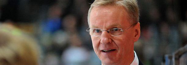 Kari Jalosen juhlaottelu kartutti HIFK:n virkistysrahastoa.