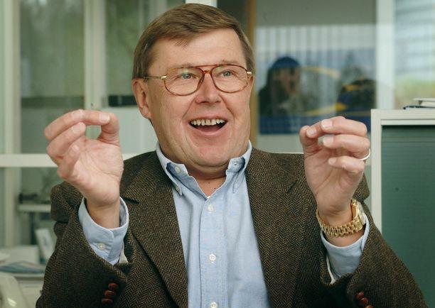 Ralliuransa jälkeen Timo Salonen on pyörittänyt autokauppaa. Kuva on vuodelta 2001.