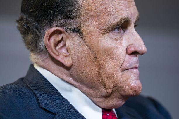 Rudy Giulianin torstainen televisioesiintyminen jää historiaan vääristä syistä.