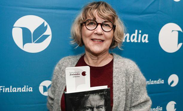Riitta Kylänpää voitti Finlandia-palkinnon.