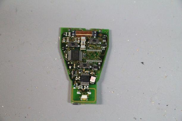 Joskus mittarilukema voidaan taltioida myös avaimeen kuten Mercedeksessä.