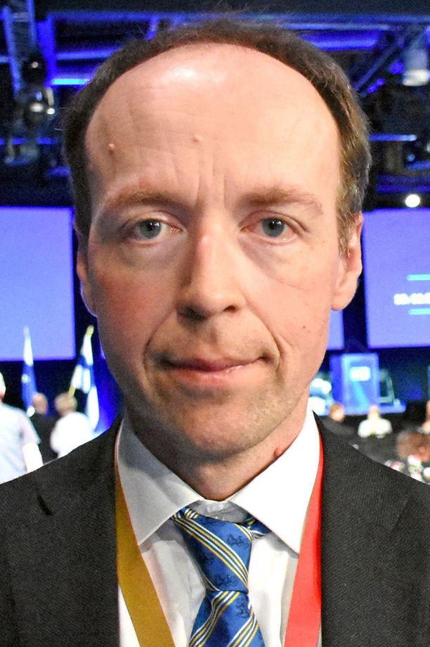 Ukkolan mukaan Jussi Halla-aho koki, että hän jahtasi poliitikkoa.