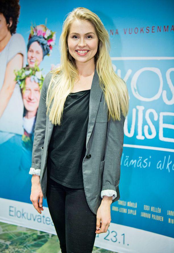 Essi Hellén on Viikossa aikuiseksi-elokuvan tähti.