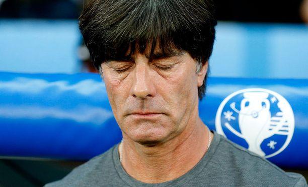 Joachim Löw ei välitä miljoonayleisöstä.