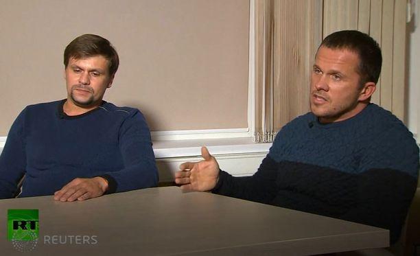 Venäläiskaksikko vaikutti haastattelussa hermostuneelta.
