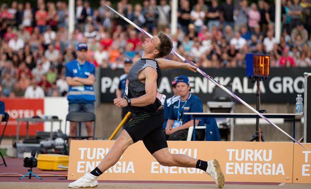 Thomas Röhler oli ylivoimainen ykkönen Turussa. Hän heitti Antti Ruuskasen keihäällä.
