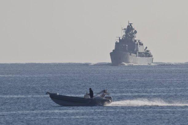 Miinalaiva Pohjanmaa kuvattiin Intian valtamerellä operaation aikaan.