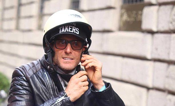 Elkann pidätettiin New Yorkissa, kun hän väitti tulleensa kaapatuksi.