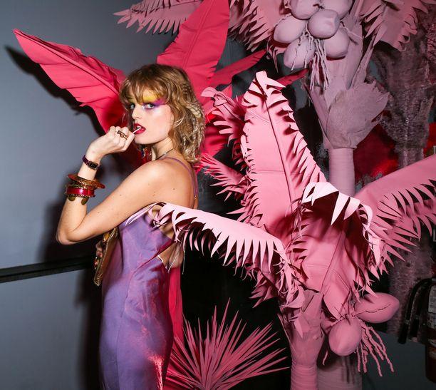Odiele Marc Jacobsin bileissä New Yorkissa marraskuussa.