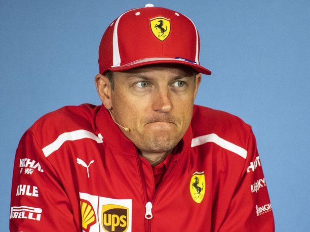 Kimi Räikkönen on ajanut Ferrarilla pian kahdeksan kauden ajan. Hän nousee kauden loppuun mennessä historian toiseksi eniten osakilpailuja saman valmistajan väreissä ajaneeksi kuljettajaksi. Edelle jää vain Michael Schumacher.