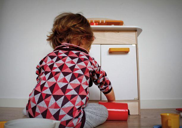Helsinki-lisän leikkaaminen kirpaisee monessa perheessä. Kuvituskuva.