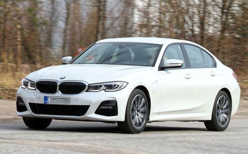 Lataushybridien akut voivat syttyä tuleen: BMW kutsuu 26900 autoa tarkistuksiin