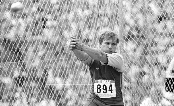 Sergei Litvinov oli aikansa moukarisuuruus. Kuva vuodelta 1986.