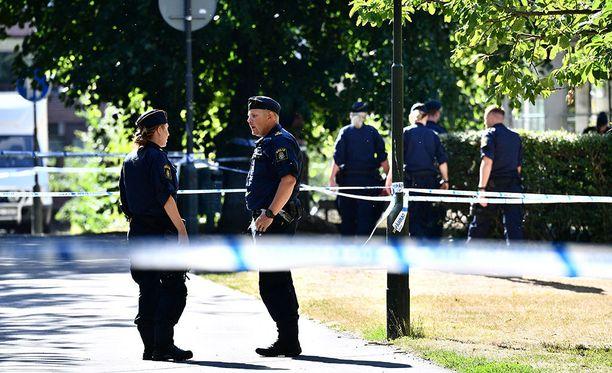 Keskellä kirkasta päivää Malmössä tapahtuneessa ampumavälikohtauksessa kuoli yksi.