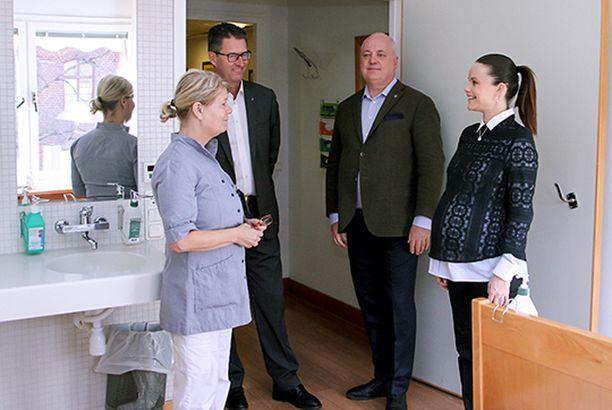 Sofia tutustui Sophiahemmet-sairaalan kirurgiseen osastoon.