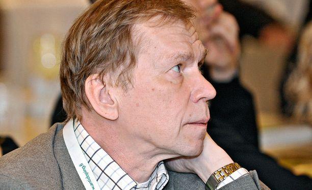 Timo Seppälän mediahiljaisuutta on ihmetelty. Suomen tunnetuin antidopingasiantuntija ei ole kommentoinut julkisuudessa norjalaistähti Therese Johaugin käryä.