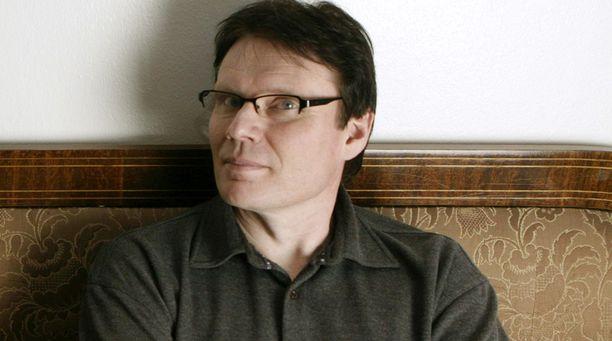 Paavo Voutilainen ei kilpailuttanut kalustehankintoja eikä kerjäläisprojektia.