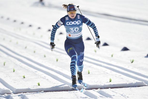 Johanna Matintalo venytti kolmanneksi parhaan ajan Oberstdorfin sprinttikarsinnassa.