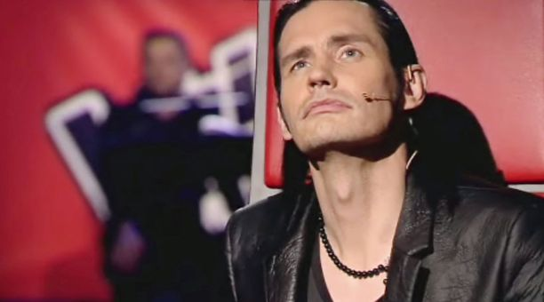 Lauri Tähkä murtui kyyneliin The Voice of Finland -ohjelmassa.