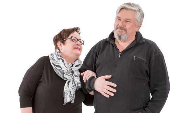 Rovaniemeläiset Soile ja Jorma ovat alkuperäisiä sohviksia. Sohvaperunat-ohjelma tulee perjantaisin TV2:lta.