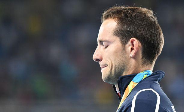 Renaud Lavillenie koki vastenmielisiä hetkiä viime vuonna Rion olympiakisoissa.