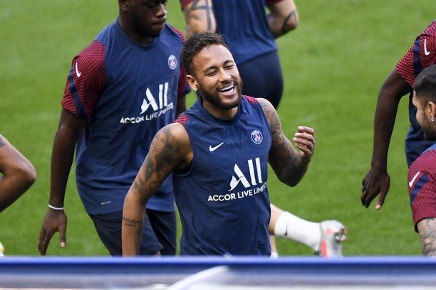 Neymar johtaa PSG:n hyökkäystä tänä iltana.