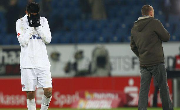 St. Paulin Carlos Zambrano ja valmentaja Holger Stanislawski ottivat tasapelin raskaasti.