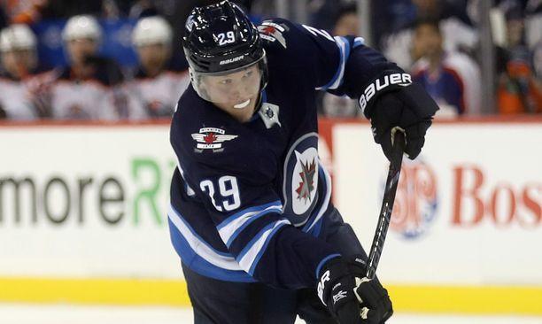 Patrik Laine oli kahdeksalla laukauksellaan Jetsin ahkerin laukoja, mutta Colorado Avalanchen tuntematon ruotsalaismaalivahti pelasi NHL-debyytissään unelmaottelun ja nollapelin.