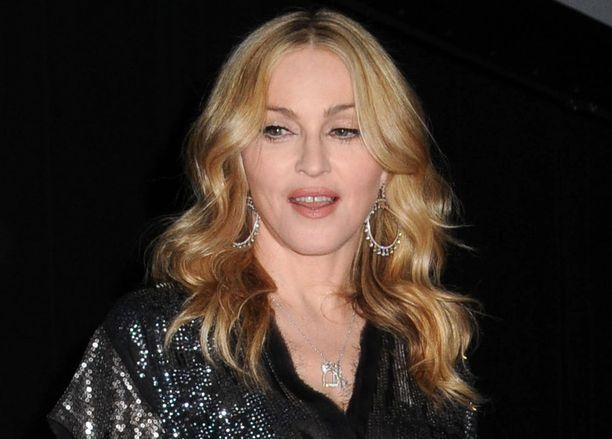 Madonna etsii uutta kotia Englannista.