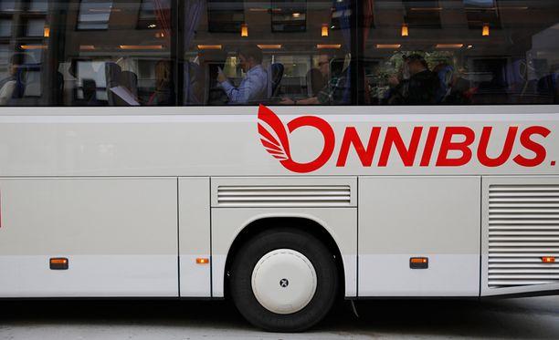 Onnibus toi halpabussikonseptin Suomeen alkuvuodesta 2012.