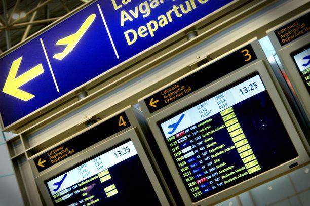 Matkustajien mielestä Helsinki-Vantaa on siisti ja henkilökunta on ystävällistä.