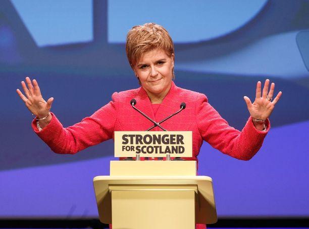 Ennenaikaiset vaalit voivat tarkoittaa Nicola Sturgeonille ja hänen puolueelleen SNP:lle mahdollisuutta edistää Skotlannin itsenäistymistä.